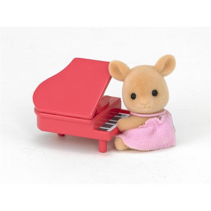 Sylvanian Families Geyik Bebek ve Piyano 5138