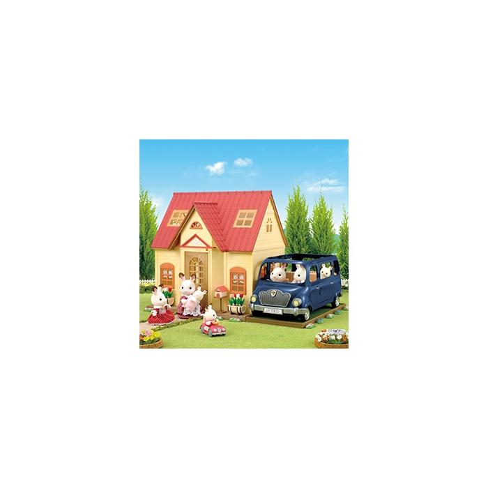 Sylvanian Families Başlangıç Evi (Aksesuarlı ve Figürlü Paket) 5242