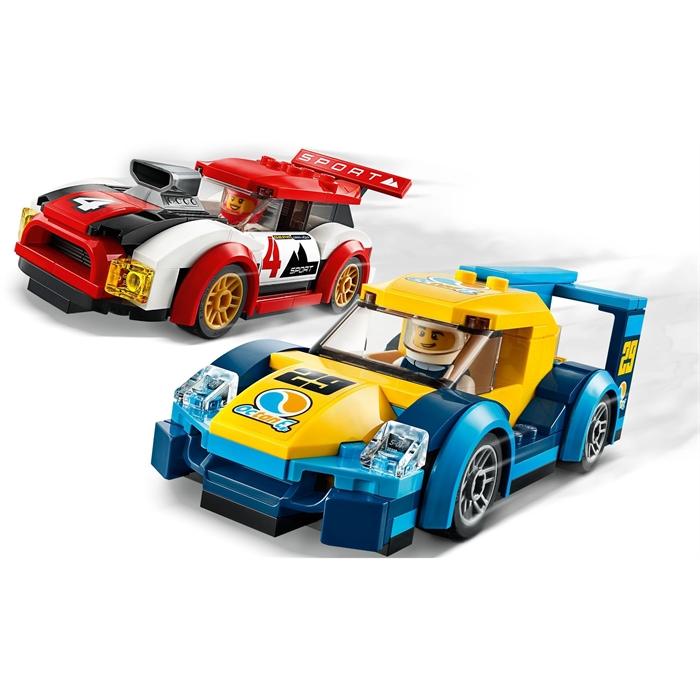 Lego 60256 City Yarış Arabaları