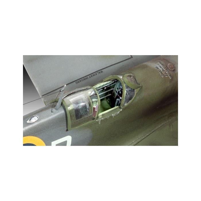 Revell Model Set Spitfire MkII