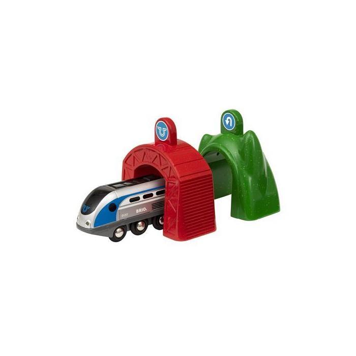 BRIO Akıllı Teknoloji Lokomotif ve Tünelleri 33834