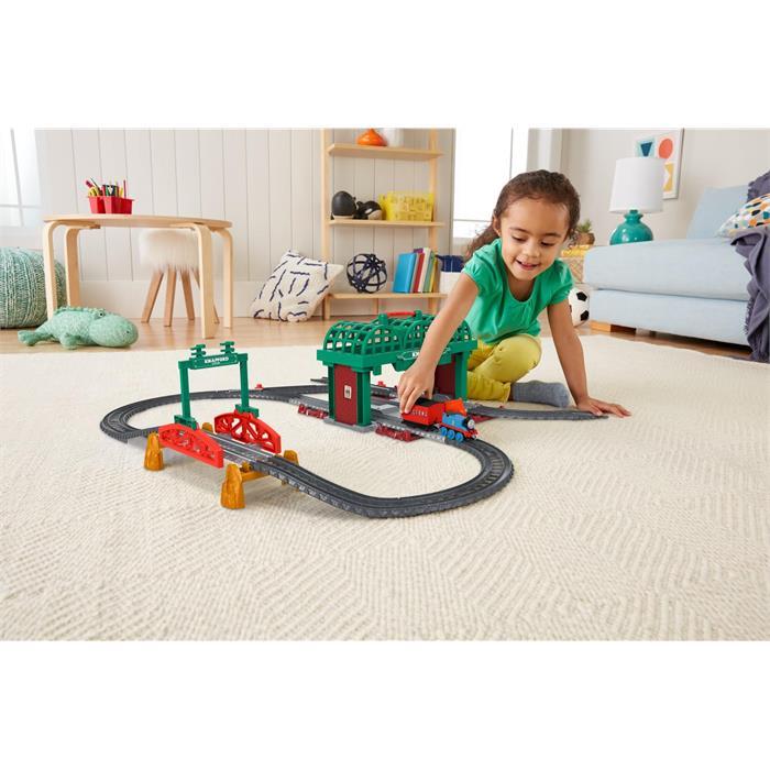 Thomas and Friends Knapford İstasyonu Oyun Seti (Sür-Bırak Trenli)